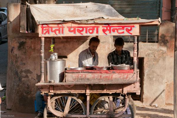 Chaiwallahs in Jaipur, Rajasthan