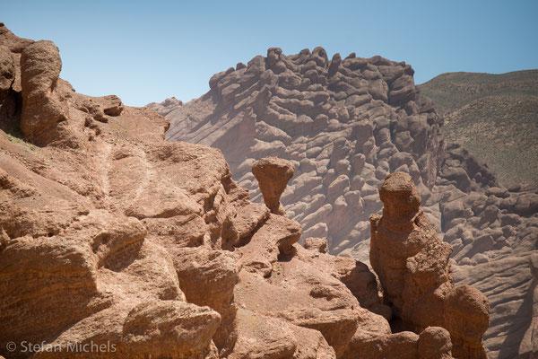 Typische Wollsackverwitterung im Atlas-Gebirge