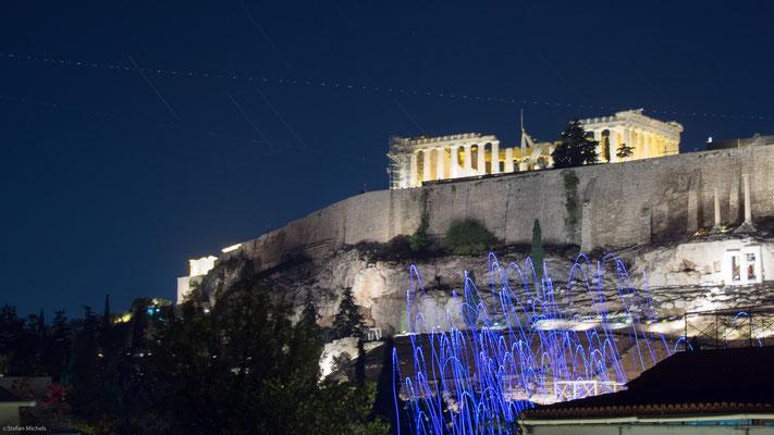 Blick vom Hotel auf  die nächtliche Akropolis.