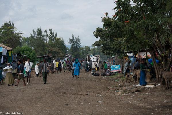 Das Dorf Tis Issat (amharisch 'Wasser, das raucht') am Fluss Abbai, welcher den Oberlauf des Blauen Nils bildet.