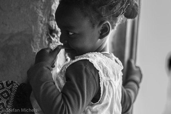 Gnaoua - Die Lieder der Gnaoua erzählen von dem schmerzvollen Zug durch die Sahara und ihren Leiden in der Sklaverei (Ouled Banbara)