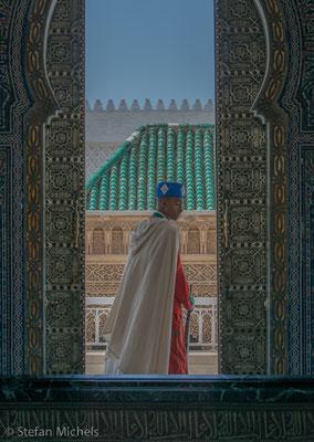 Rabat- Das Mausoleum ist aus weissem Marmor gestaltet.