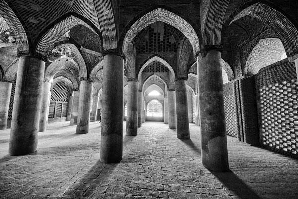 Vier-Iwan-Anlage mit phantatischen Säulengängen.