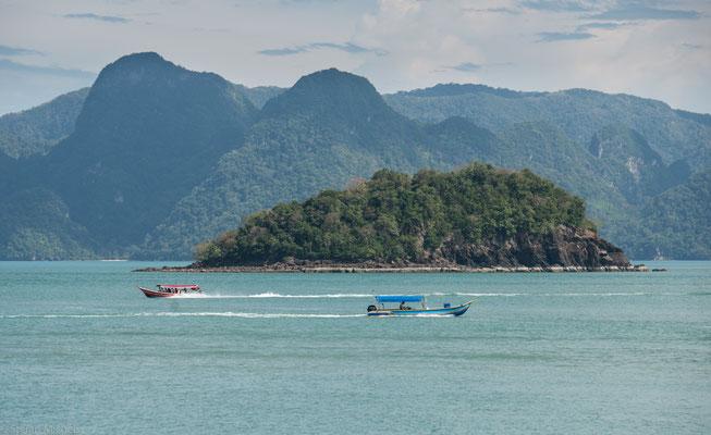 Zwar hatte Langkawi durch den Tsunami am 26. Dezember 2004 nur ein Todesopfer zu beklagen, die Stornoquote betrug dennoch 95 % aller Buchungen.
