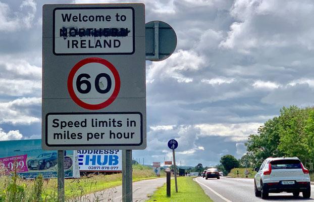 An der Grenze zu Nordirland, am dem Weg nach Derry (off. Londonderry).
