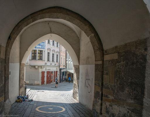Das barocke Michaelertor (Michalská brána) ist das einzig noch erhaltene von einst vier Toren der mittelalterlichen Stadtbefestigung.