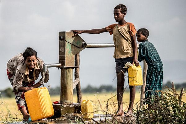 Durch westliche Hilfsprojekte errichtete Brunnen.