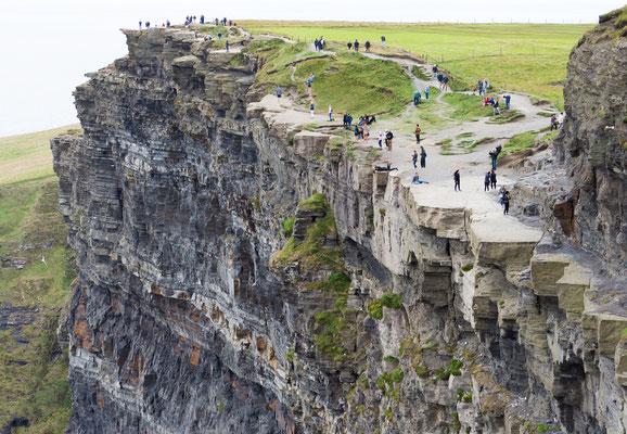 Die Cliffs of Moher (irisch Aillte an Mhothair) sind die bekanntesten Steilklippen Irlands.