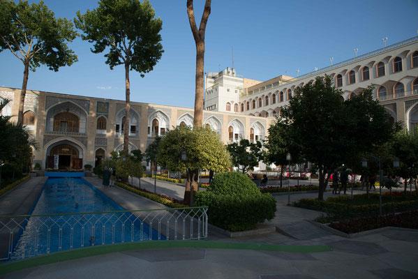 Hotel Abbasi; das beste Hotel am Platze mit seinem berühmten Gärten.