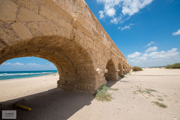 Der Aquädukt von Caesarea.