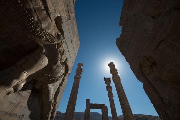 Das Achämenidenreich wurde von Kyros II. dem Großen gegründet und reichte unter Dareios I. um 520 v. Chr. von Kleinasien und Ägypten bis zum Indus.