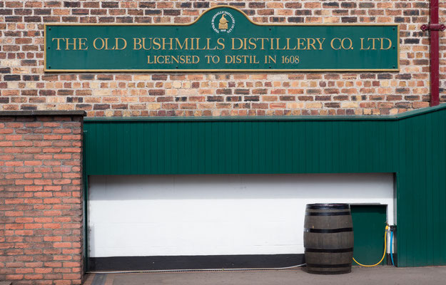 Bushmills, älteste Whiskey-Brauerei der Welt.