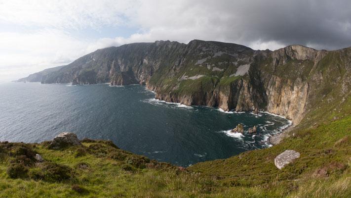 Die Klippen von Slieve League  im Westen der irischen Grafschaft Donegal am Atlantischen Ozean sind eine der Hauptsehenswürdigkeiten dieser Region.