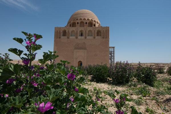 Sultan-Sandschar- Mausoleum, 12 Jh. letzte Sultan der Seldschuken.