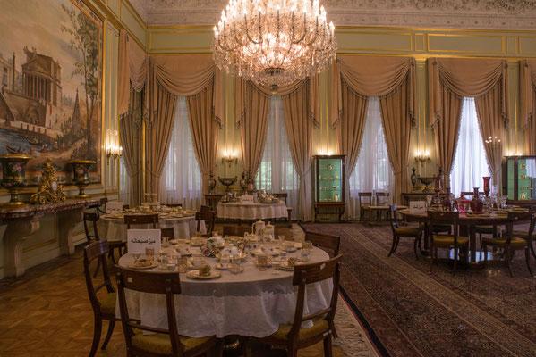 Mit 145 qm einer der größsten Teppiche, handgewebt für den Palast.