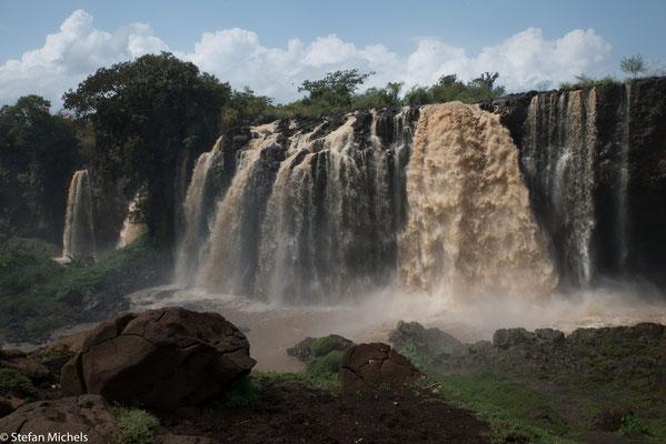 Der Blaue Nil - Hier stürzt sich der wasserreichere der beiden großen Quellflüsse des Nils 42 Meter in die Tiefe. Mit einer Breite von über 400 Metern während der Regenzeit ist er der zweitgrößte Wasserfall Afrikas.