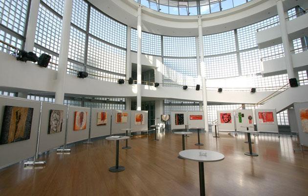Ausstellung in der Rotunde der Salzburg AG in Salzburg