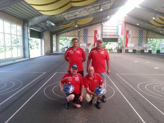AH-Mannschaft: Hermann Stillfried, Klaus Emberger, Ewald Schmid, Sepp Wutz