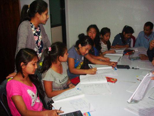 Des cours d'appui sont dispensés pour le soutien scolaire