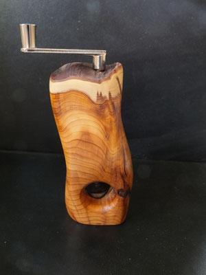 Musktamühle Muskatreibe Eibe 4 Muskatreibe Unikat handarbeit Einzelstück Holz