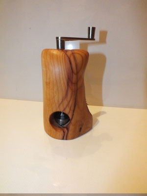 Muskatmühle / Muskatreibe  Unikat Design handarbeit Einzelstück HolzEibe