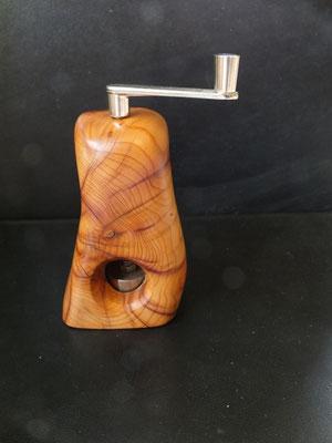 Musktamühle Muskatreibe Eibe 2 Muskatreibe Unikat handarbeit Einzelstück Holz