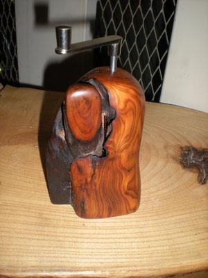 Muskatmühle Holz Eibe Muskatreibe Unikat Holz Einzelstück