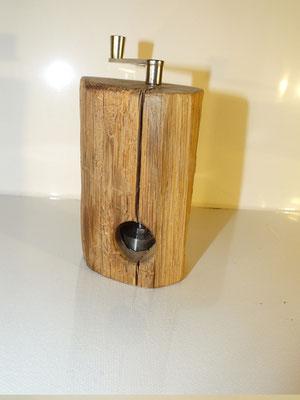 Muskatmühle Muskatreibe Holz Eiche 4