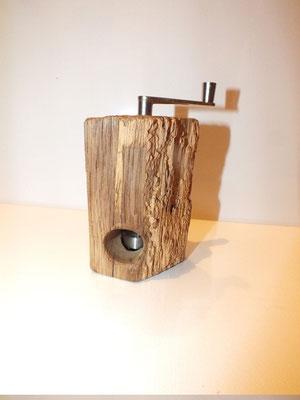 Muskatmühle / Muskatreibe  Unikat Design handarbeit Einzelstück Holz alter Eichenbalken