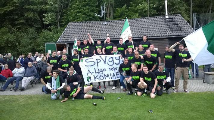 das letzte Gruppenfoto vor dem bald legendären Vereinsheim