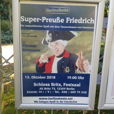 Plakat Schloss Britz Super-Preuße Friedrich