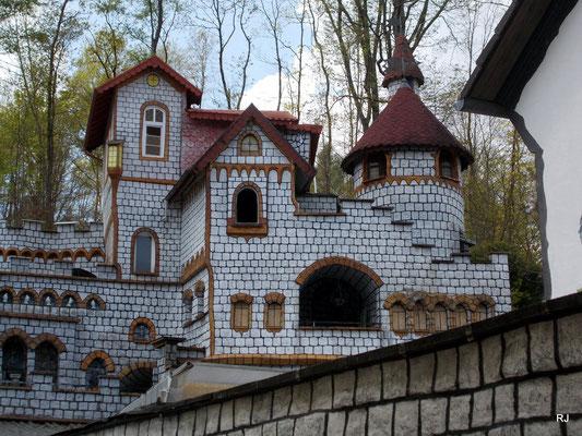 Burg Schönewolf, Hofweg Dudweiler