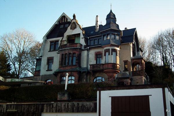 villa micka, neues dach, fassadenrenovierung