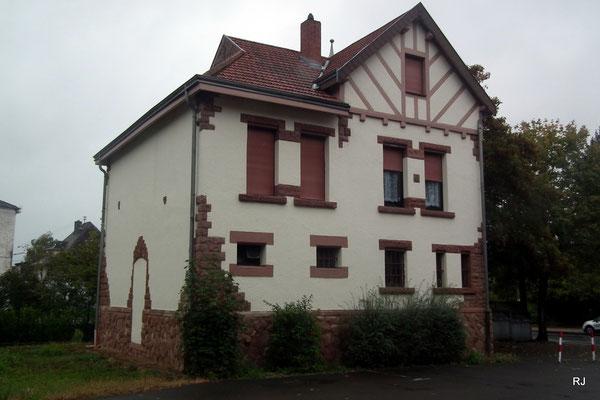 geaengnis, rathaus, dudweiler, hausmeisterhaus