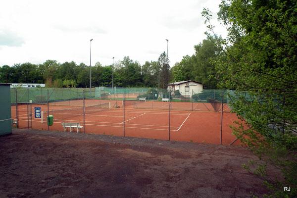 Tennisplätze mit Clubhaus, Blau-Weiß, Am Gegenortschacht