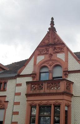 Dudweiler, Bahnhofstraße, Alte Baukunst