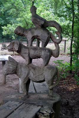 wildpark saarbruecken, holzskulptur, bremer stadtmusikanten