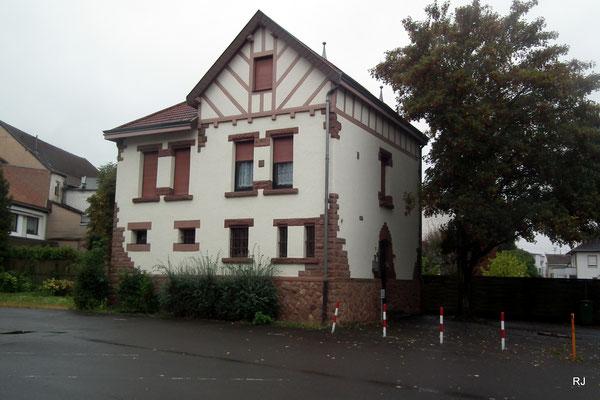 historisches gefaengnis, dudweiler, rathaus
