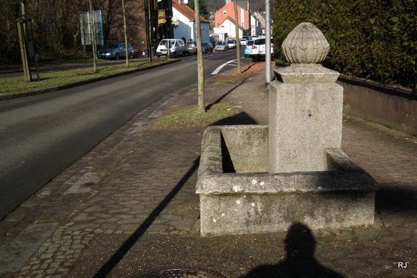 Brunnen in der Hauptstraße