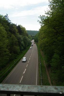 Fußgängerbrücke über Schnellstraße Dudweiler Gehlenberg