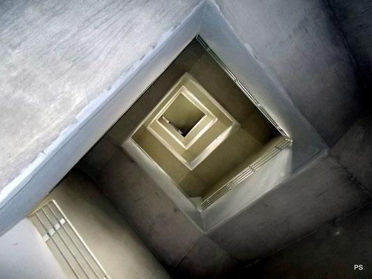 schwarzenbergturm saarbruecken, treppenaufgang