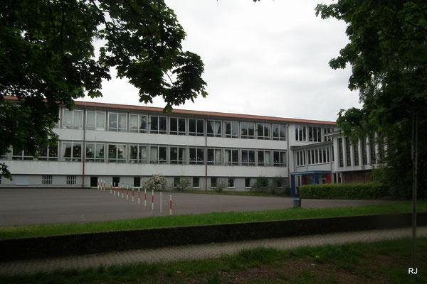 Albert-Schweitzer-Grundschule, Dudweiler-Süd, Am Geisenberg