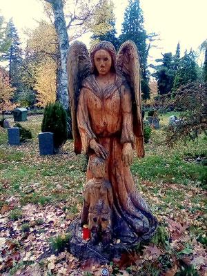 Engel auf dem Dudweiler Friedhof