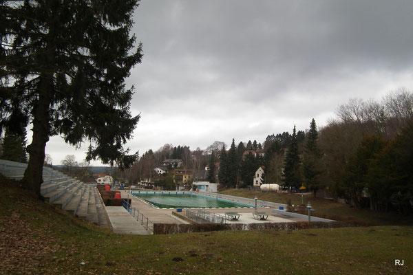 Freibad Dudweiler, St. Avolder Straße