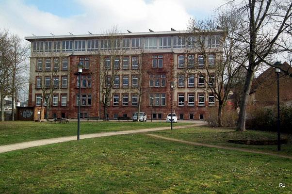 Grundschule, Turmschule, Saarbrücker Str. 289,