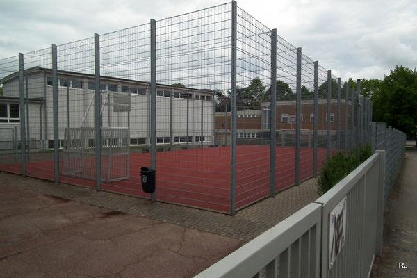 Bolz- und Basketballplatz Dudweiler, An der Mühlenschule