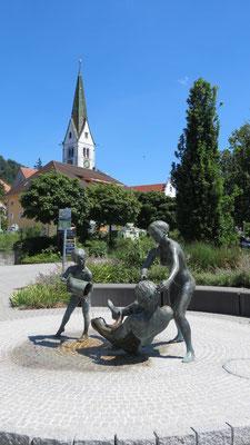 Brunnen am Wassertreppein Sommer Sipplingen Bodensee