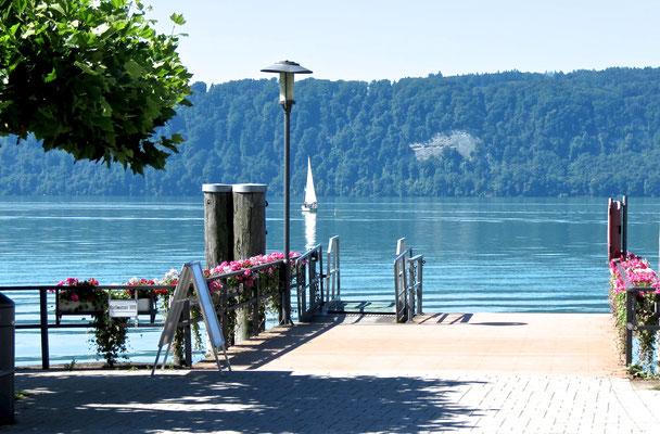 Landungsplatz in Sommer Sipplingen Bodensee