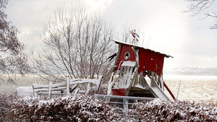 Kinderspielplatz in Winter Sipplingen