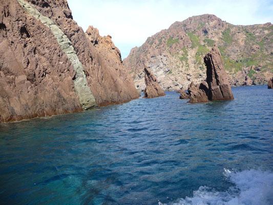 Curiosité géologique dans la réserve de Scandola